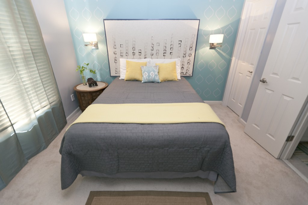 Modern bedroom makeover wins decorating on a dime for Decor on a dime