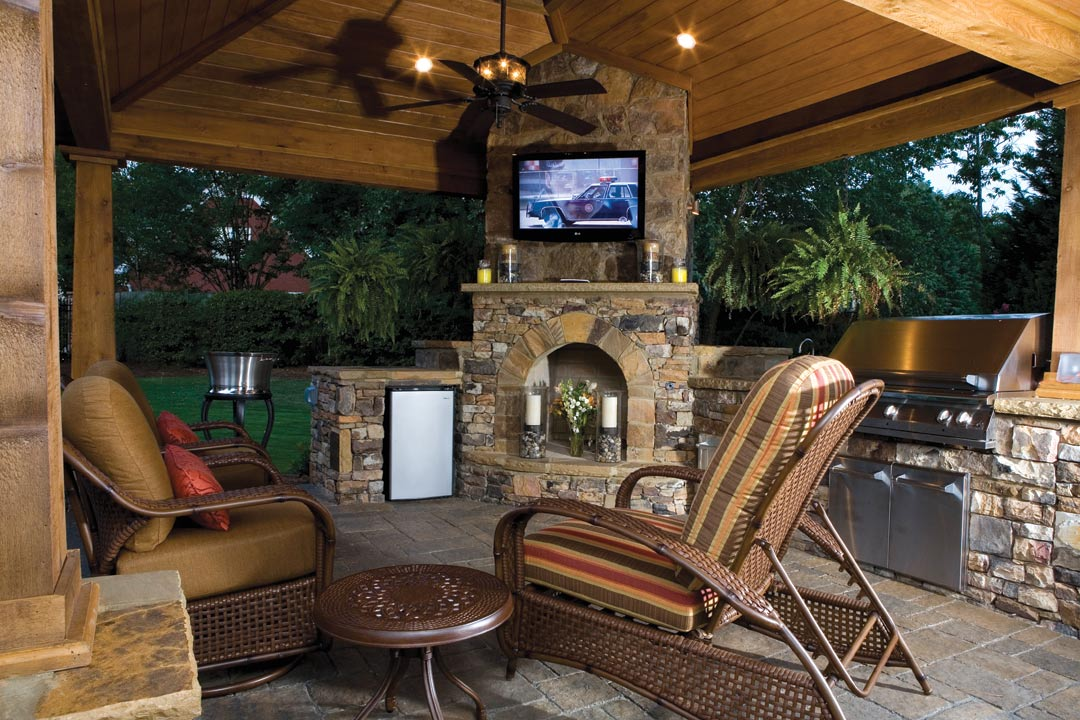 firepits fireplaces and cool weather entertaining atlanta home improvement. Black Bedroom Furniture Sets. Home Design Ideas