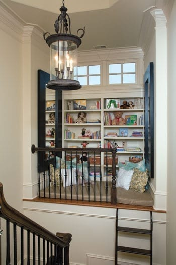 Secret room for kids - stair niche