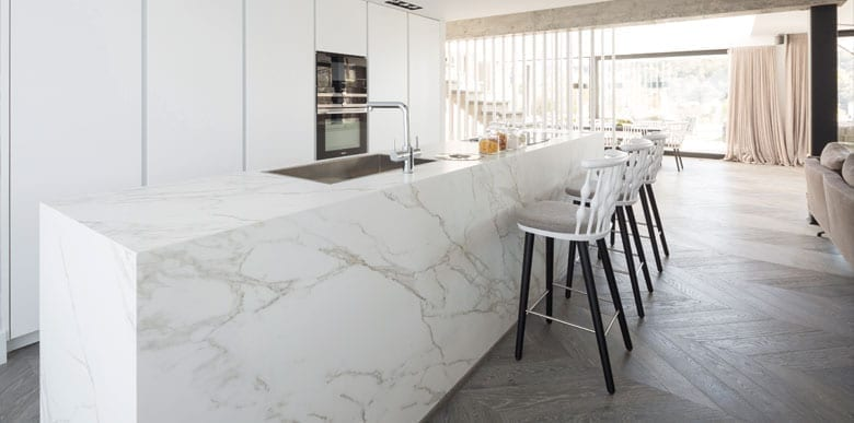 Kitchen with Neolith Calacatta Silk countertop. Photography by TheSize