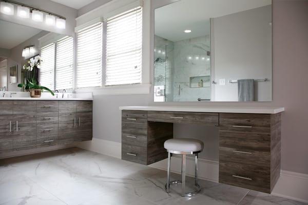 Bathroom design with floating vanities