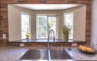 Energy-efficient picture windows above sink